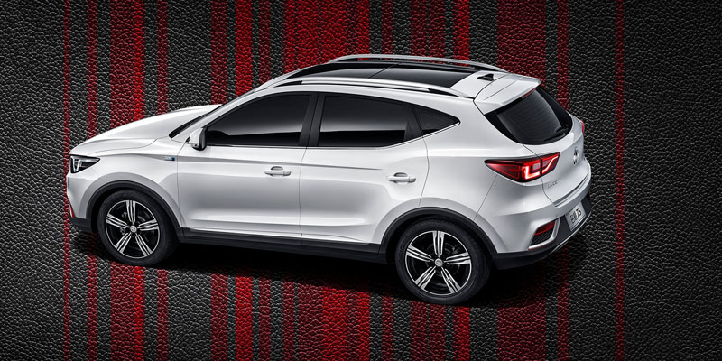 39040_mg-zs-small-suv-revealed-shows-colors-in-official-video_5