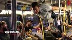 حرکات نمایشی پسر جوان در مترو+فیلم