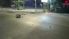 راننده تاکسی بی وجدان پس از تصادف وحشتناک با دو موتورسیکلت فرار کرد+تصویر