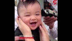ویدیو خنده دار از کوتاه کردن موی یک پسربچه + فیلم