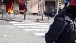 اقدام وحشیانه معترضان خیابانی با یک مادر و فرزند+فیلم