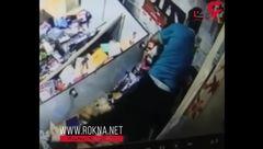 فیلم حمله مرد شیطان صفت به زن ایرانی در فروشگاه لوازم آرایش + تصویر