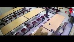 درگیری دانش آموزان در غذاخوری دبیرستان + فیلم