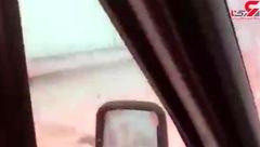 لحظه انفجار خودرو وسط بزرگراه و در میان سایر خودروها + فیلم