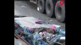 راننده این ماشین سواری پودر شد + فیلم دلخراش