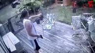 غافلگیر شدن دزد توسط صاحبخانه! +فیلم
