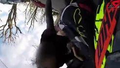 عجیبترین شیوه دستگیری یک موتورسوار توسط پلیس + فیلم