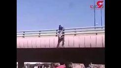 انتشار اولین فیلم از لحظه خودکشی پسر جوان از پل بزرگراه امام خمینی + جزییات