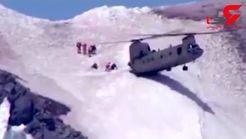 فرود دیدنی خلبان هلیکوپتر در قله کوهستان +فیلم