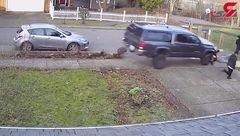 لحظه وحشتناک زیر گرفتن سه پسر توسط راننده ناشی!+فیلم