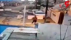 اقدام کثیف مرد داعشی را ببینید + فیلم تکاندهنده