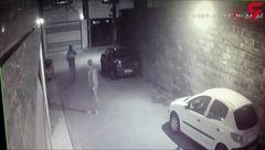 لحظه سرقت پلاک های خودرو در بندرانزلی!+فیلم