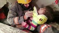 لحظه نجات کودک 3 ساله از زیر آوار زلزله ترکیه+فیلم