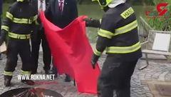 عجیب ترین کاری که یک رئیس جمهور می تواند جلوی دوربین ها انجام دهد! + تصویر