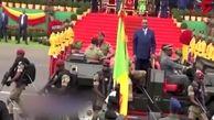 شیوه عجیب بادیگاردها برای حفاظت از رئیس جمهور کنگو + فیلم