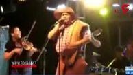 حادثه وحشتناک برای خواننده معروف روی استیج / در آرژانتین رخ داد + فیلم