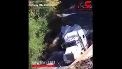 سقوط وحشتناک تریلی به داخل دره+فیلم